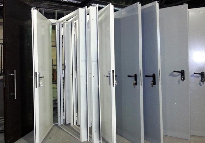 двери стальные производим