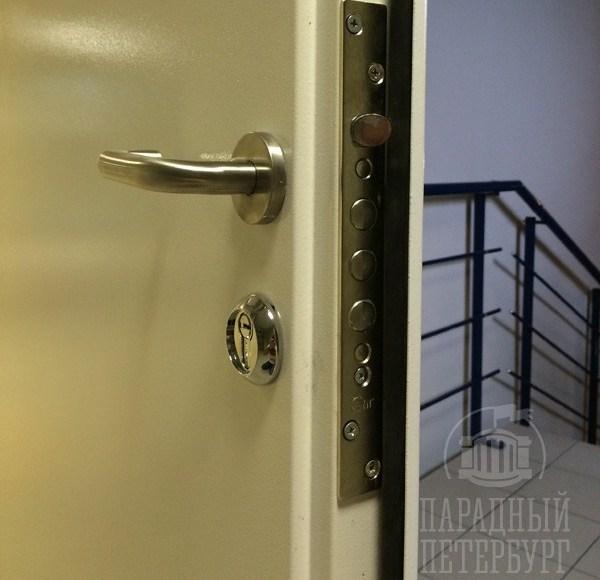 врезной замок для железной двери