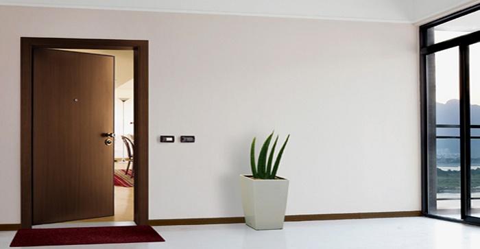 Металлические двери в квартиру