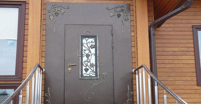 выбрать двери уличные металлические