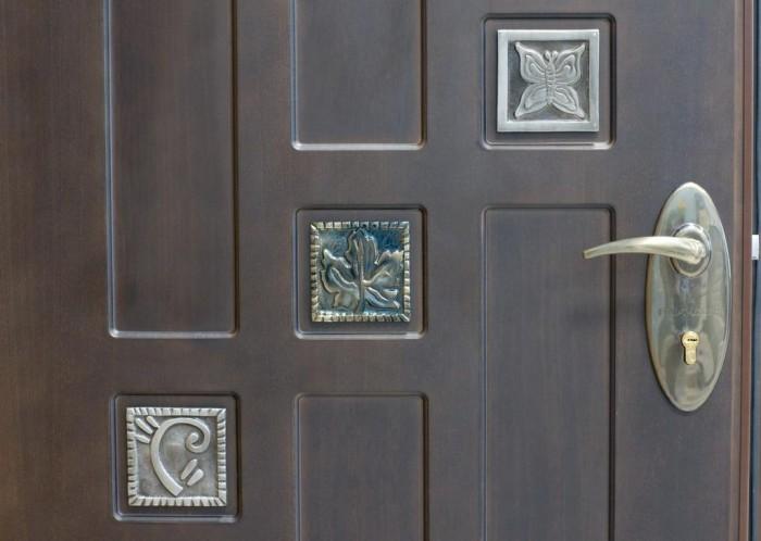 замок врезной с ручкой для входных дверей